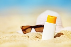 A common ingredient in sunscreen may have toxic effects
